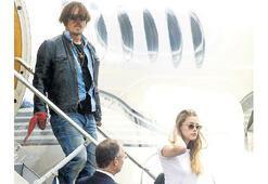 Depp eşini 'boğmaya  çalıştı'