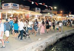 Edremit Körfezi'nde turizmciler mutlu