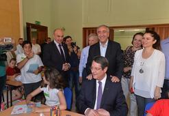 Anastasiadis masaya döndü, ilk görüşme 8 Haziran