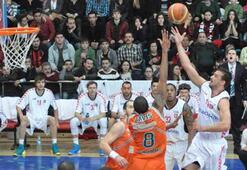 Uşak Sportif-Banvit: 64-71