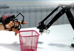 Robotların kontrolü ellerinizde