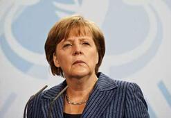Merkel: Yunanistanın Euroda kalmasını istiyoruz
