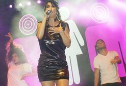 Hande Yener, Alaşehirlileri coşturdu