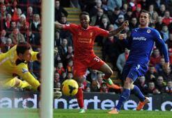 Suarez rekor kırdı, Liverpool yine kazandı