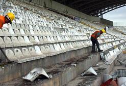 Eski 4 Eylül Stadyumunun yıkım çalışmalarına başlandı