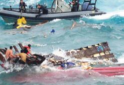 Ölen 16 bin mültecinin 'Liste'si İstanbul otobüs duraklarında