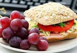 Ofiste nasıl beslenmek gerekli