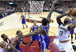Cavaliers, Warriorsu yenerek seride durumu 2-1 yaptı