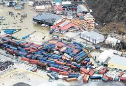 Irma yıkıp geçti
