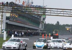 VIZIO GT3 Challengeta Şampiyon Emre Durmaz