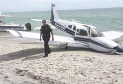 Sahilde yürüyüş yapan baba kıza uçak çarptı