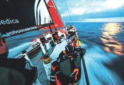 Atlas Okyanusu'nu cerrah titizliğiyle geçti