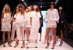 İstanbul Fashion Week Özlem Kaya Defilesi