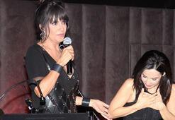 Ayşegül Aldinç konserinde İpek Açar sürprizi