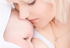 Prematüre bebeklerin ilacı anne sütü