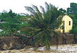 Sandy yıkıp geçiyor