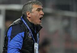 Hagi, Romanyada yılın teknik direktörü seçildi