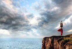 Deniz manzaralı yoga kampı