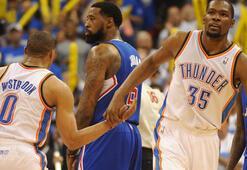 Durant ve Westbrook şov yaptı Seri 1-1...