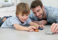 Babalar para kazanmak için çocuklarına hasret kalıyor