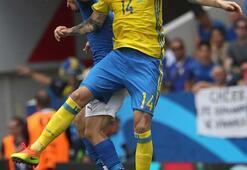 İtalya - İsveç maçından kareler