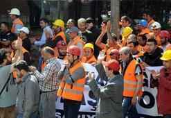 Yüz binlerce işçi Soma için iş bıraktı