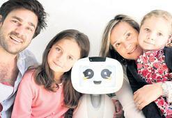 Aileye robot geldi