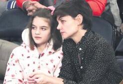 Anne-kız NBA maçında