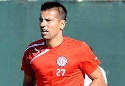 Antalyaspor, Barosla yollarını ayırdı
