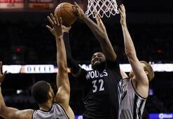 NBAde Spurs 4te 4 yaptı