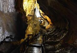 Yer altındaki saklı cennet: Çal Mağarası