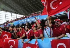 Türk taraftarlar stattan mutlu ayrıldı