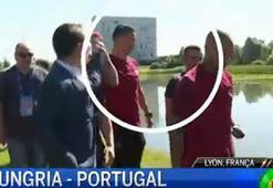 Ronaldo, muhabirin mikrofonunu göle attı