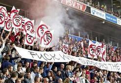 PSV taraftarından ilginç protesto