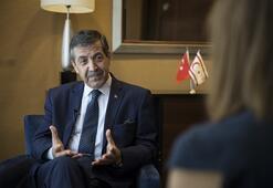 Kıbrısta müzakere masasında eşit olarak oturmuyoruz