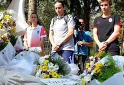Kadın basketbolculardan Özgecanın mezarına ziyaret