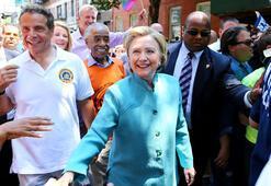 Clinton eşcinsel yürüyüşüne katıldı