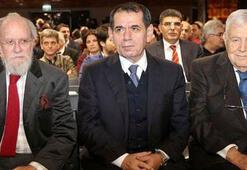 Galatasarayda transfer toplantısı ertelendi