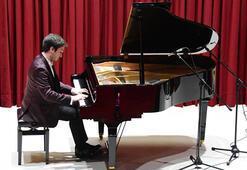 Gülsin Onay Piyano Günlerinde Cemil Yener Gökbudak rüzgarı
