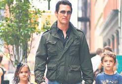 McConaughey çocuklardan birini evde bıraktı
