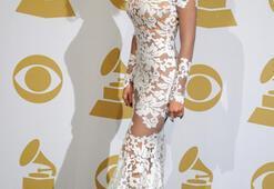 Grammy Ödüllerine damga vuran kıyafetler