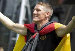 Almanyanın yeni kaptanı Schweinsteiger