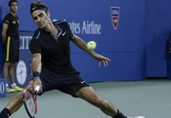 Federer ve Wozniacki tur atladı