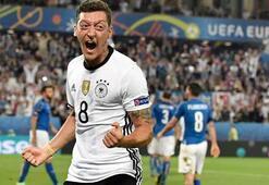 Mesut Özil ile ilgili paylaşıma tepki yağdı