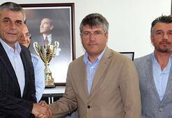 Mustafa Reşit Akçay imzayı attı