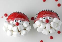 Yılbaşı için birbirinden yaratıcı cupcake önerileri