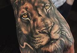 Güç ve bağımsızlık simgesi aslan dövmeleri