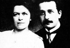 Aşk Einstein'ı da çarpar