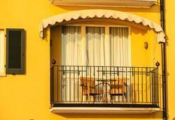 Küçük balkonlara pratik çözümler
