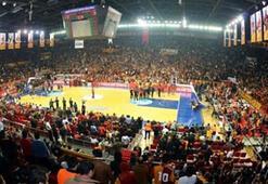 Galatasaraya 3 maç ceza